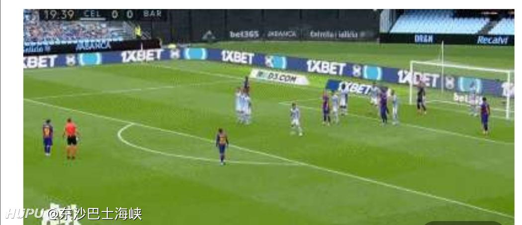 梅西任意球能力提升后,任意球的防守方式是不是越来越丰富了?  足球话题区
